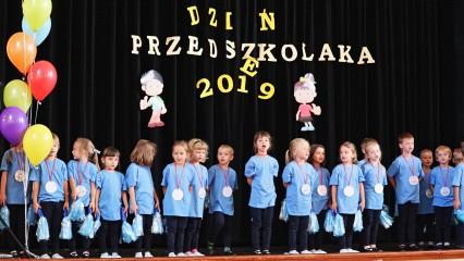 Obrazek galerii Radosne przedszkolaki